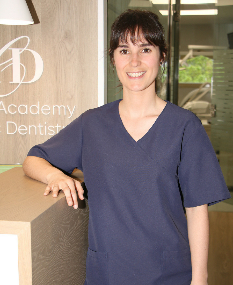 Maialen Linazasoro Dr Ruiz Villandiego Servicio de Odontologia y Estomatologia Hospital Quiron Donostia San Sebastian